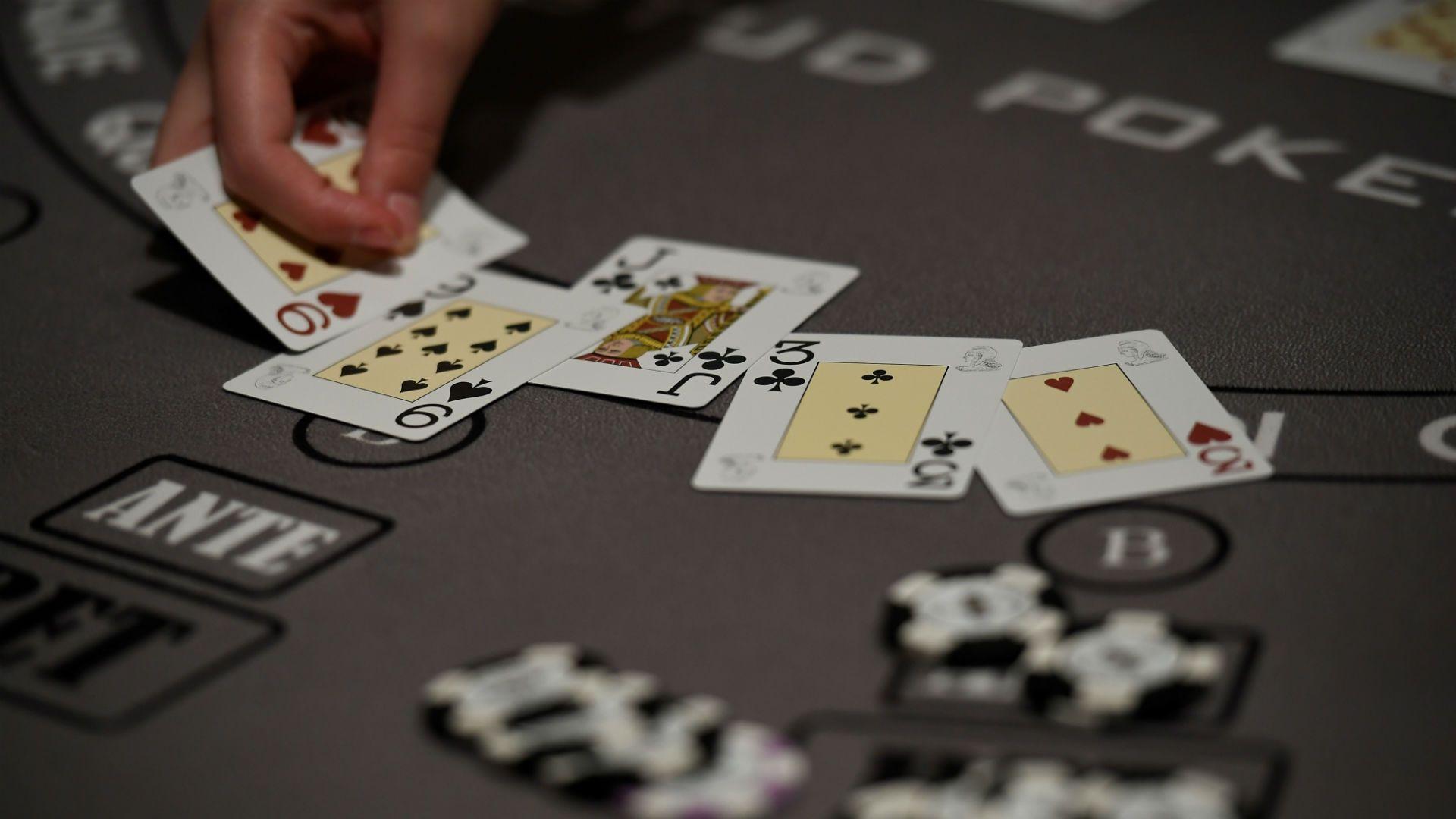 Kebiasaan Buruk Bermain Poker Online