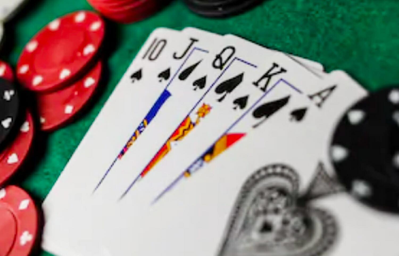 Keuntungan Membaca Artikel Poker Online